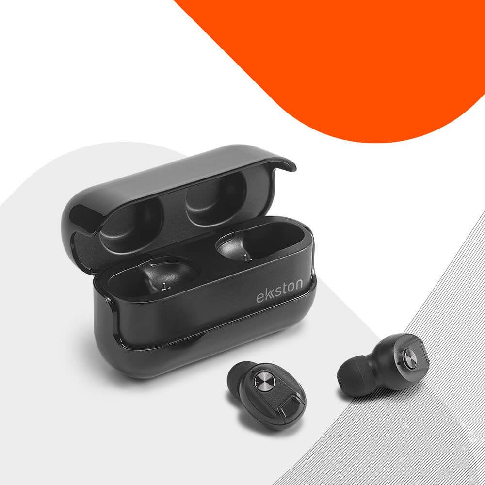 Ekston WIRETAP wireless earphones with a bold and distinctive design.